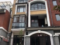 出售御景园4室2厅3卫193平米215万住宅