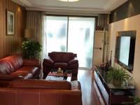 江东小区精装修大三房南北通透学区房位于欧尚对面地段好满5年无税。
