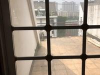 马钢花园三村 中装三房 送跃层 送露台 价格低 满五唯一 价格可谈 看房方便