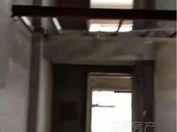 朝晖东方城一期纯毛坯复式现房,户型为通透型,楼层采光无遮挡,诚心急售。