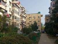 新风小区 幸福广场旁 交通便捷,周围辐射广,设施齐全,生活便利