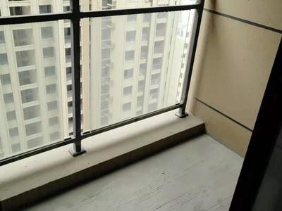 华府天地 19楼黄金楼层 采光极好 满2年 性价比超高 一口价 有钥匙看房