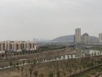 出售朝辉东方城1期,3房住宅!赠送7万元车位一个