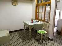 杨家山 多层4楼 两室朝南 简单装修 紧邻幸福广场 生活便利