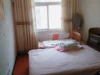 南塘家园精装修4楼家具家电齐全,诚心低价出售,方便随时看房,拎包即可入住。