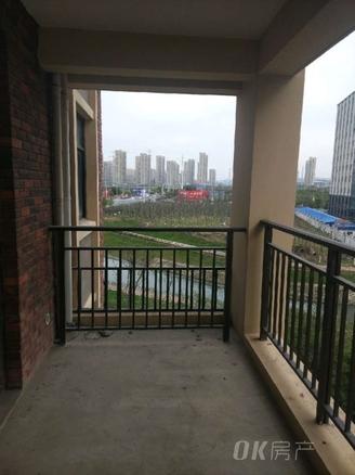 清河湾 小高层四楼东边户南北通透新空毛坯三室两厅赠送面积大