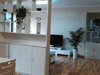 秀山湖壹号精装修大两室,家具家电齐全,诚心出售方便看房,拎包即可入住。