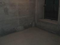 安粮二期中间楼层,110平米3室2厅,毛坯房房主急.售
