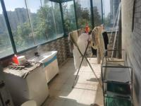 新上,东湖碧水湾,精装修两室,3楼带大平台,满两年
