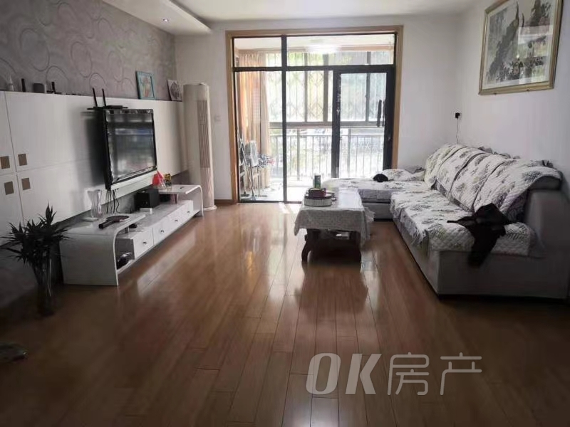 东方明珠128自住房首次出租,,离二中超近,长租优惠!