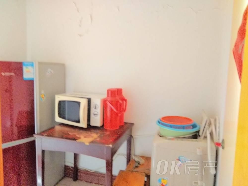 花山师范附小附近的沙塘楼有套中装首次出租好房