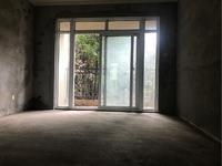 滨江郡毛坯两房带大院子只要37万带定金。