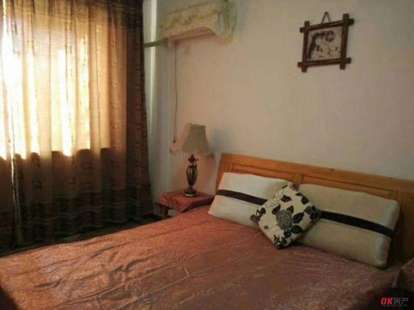 出租国际华城4室2厅2卫155平米1700元/月住宅