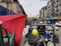 同济农贸市场沿街旺铺,人流量超大,人挤人,一口价23万出售,捡漏旺铺