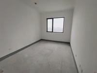 金鹰湖景房,坐拥市中心,舒适大平层,满2年,房东诚意出售