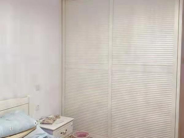 师苑新村 3室1厅1卫 精装修 家电全齐 拎包入住交通便利 设施齐全
