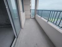 恒泰学府里毛坯3房,97平三开间朝南,双阳台设计户型无可挑剔