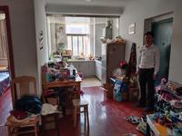 东城花园二村,中等装修两室,4楼,82万